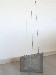 ohne-Titel-2017-78x25cm-Federstahl-+-Messing